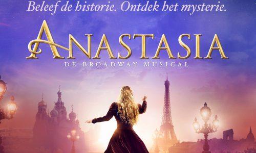 musical Anastasia beeld van Anastasia die wegloopt