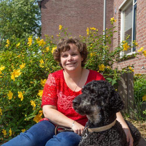 Portret van Marjolein van de Broek met haar hond